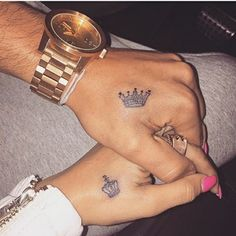 Top Matching Tattoos for Couples with Latest King and Queen Tattoo designs. We have given you some best ideas to ink your body. Queen Crown Tattoo, Small Crown Tattoo, King Queen Tattoo, Crown Hand Tattoo, Queen Of Hearts Tattoo, Hand Tats, Crown Couple Tattoo, Trendy Tattoos, Love Tattoos