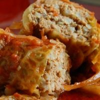 Hungarian Stuffed Cabbage Recipe not so sure about the sauerkraut though 🤔 European Dishes, Eastern European Recipes, European Cuisine, Hungarian Cuisine, Hungarian Recipes, Hungarian Food, Slovak Recipes, Austrian Recipes, Czech Recipes