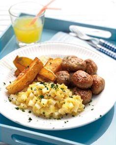 Knolselder-appelcompote met gehaktballetjes en frietjes