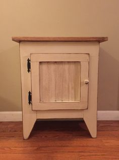 Primitive End Table or Night Stand Storage by RDPrimitiveHomeDecor