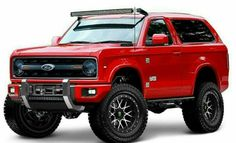 The 2020 Ford Bronco is scheduled to be released, and that means that driving on or off-road in Texas suddenly became a whole lot more enticing! 2019 Ford Bronco, New Bronco, Bronco Truck, Classic Bronco, Classic Ford Broncos, Classic Trucks, Suv Trucks, Pickup Trucks, Radios