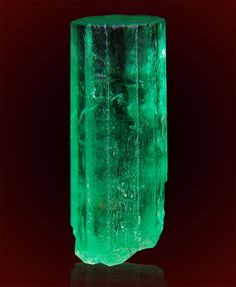 the most prestige emerald in the world. Minerals And Gemstones, Rocks And Minerals, Loose Gemstones, All Gems, Rocks And Gems, Gems Jewelry, Jewellery, Colombian Emeralds, Emerald Stone
