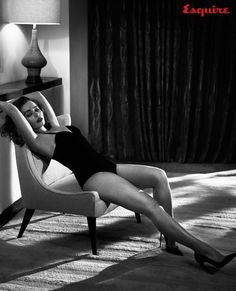 Emilia Clarke x Esquire Nov. 2015 by Vincent Peters - Absolutely stunning Emilia Clarke photographed by Vincent Peters for the November 2015 issue of Esquire. Emilia Clarke Daenerys Targaryen, Gq, Esquire, Emilie Clarke, Emilia Clarke Hot, Game Of Thrones, Actrices Sexy, Femmes Les Plus Sexy, Mother Of Dragons