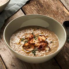 Svampsoppa med skogschampinjoner och jordärtskockschips | Recept ICA.se Winter Warmers, Hummus, Oatmeal, Food And Drink, Veggies, Vegetarian, Favorite Recipes, Eat, Breakfast