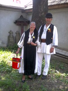 Couple Romanian clothes, Cugir area, Transylvania City People, Romania, Roots, Couples, Travel, Clothes, Outfits, Viajes, Clothing