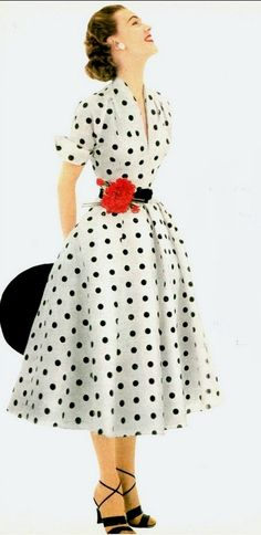 Polka-Dotted dress of silk shantung by donald dress, glamour, may винтажные платья 50 Moda Vintage, Vintage Mode, Retro Vintage, Robes Vintage, Vintage Dresses 50s, Vintage Outfits, Retro Outfits 1950s, Retro Dress, 1950s Clothes