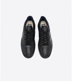 Veja women's sneakers, bags and accessories - VEJA STORE Your Shoes, Men's Shoes, Baskets, Veja Sneakers, Coton Biologique, Sale Items, Leather Shoes, Porto, Menswear