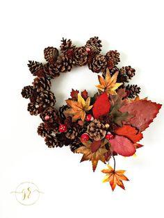 """Mit Ihren Lieblingsmaterialien aus der herbstlichen Natur und etwas Geduld können Sie diese wunderschöne Dekoration nach der Anleitung von """"GabRielle"""" selber kreieren. #ansalia #diy"""
