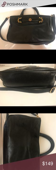 Tory burch Black leather bag I just love this bag, it has been worn but still a lot of wear left 😊 No scratches. Please zoom in pics before buying and let me know If you have any questions. Approximate size 9x13x5. Tory Burch Bags Shoulder Bags