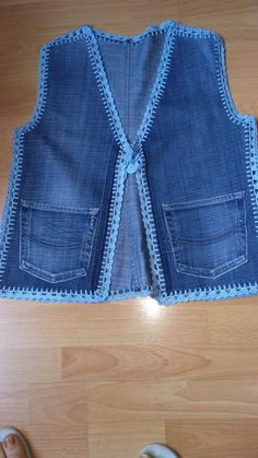 Crochet Baby Dress Pattern, Crochet Cardigan, Sewing Clothes, Crochet Clothes, Denim Art, Fashion Illustration Dresses, Fillet Crochet, Jean Crafts, Kurta Designs Women
