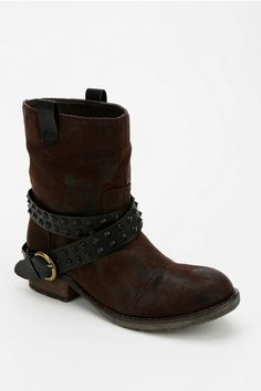 Rebels Shoes Travis Moto Boot - Urban Outfitters FREAKING LOVE. ❤️