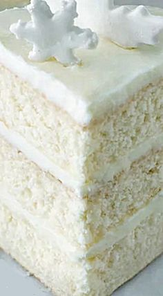 This is my favorite white cake recipe! This cake is light, tender, moist, and topped with a delicious vanilla buttercream frosting. If you don't want to make a layer cake, I also include instructions on how to make it in a pan. Cupcakes, Cake Cookies, Cupcake Cakes, Frosting Recipes, Cupcake Recipes, Dessert Recipes, Best White Cake Recipe, White Cake Recipes, Homemade White Cakes