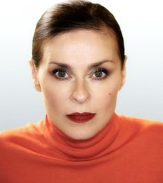 The modern day Gracie Fields is back.  Lisa Stansfield, Rochdale's finest, shone like a star in her first UK and European Tour after nearly decade away from the spotlight. ...via... showbizshel.com/lisa-stansfield-so-natural