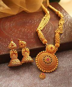 Bridal Haram & Jhumka From Manubhai Jewellers ~ South India Jewels Real Gold Jewelry, Gold Jewellery Design, Diamond Jewellery, Bridal Jewelry, Beaded Jewelry, Manubhai Jewellers, Indian Jewelry Sets, India Jewelry, Malu