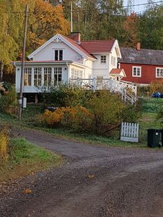 Windows And Doors, New England, Interior And Exterior, Sweet Home, Farmhouse, Cottage, Cabin, Architecture, House Styles