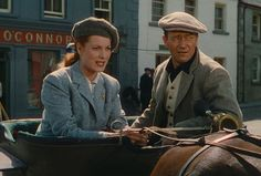 Filmed in Galway, The Quiet Man unfolds a story of an Irish born boxer, Sean Thornton (John Wayne), returning to his home from America. Hollywood Photo, Hollywood Stars, Classic Hollywood, Old Hollywood, Hollywood Glamour, John Wayne, The Quiet Man, Maureen O'hara, John Ford