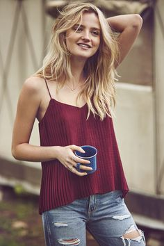 Morning Essentials: Pleated Cami + Coffee. A&F Summer Getaway // Great Outdoors