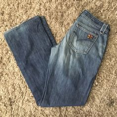 Sale  Joe's jeans Measures 41 inches from waist to hem. Inseam 32 inches tag says size w30 but I feel like these would fit a size 28 Joe's Jeans Jeans Flare & Wide Leg