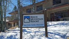 Spring skiing at Beech Mountain means deal season! Beech Mountain Resort, Ski Rental, Banner Elk, Spring Break Trips, Family Vacation Destinations, Vacations, North Carolina Mountains, Mountain Photos, Travel Deals