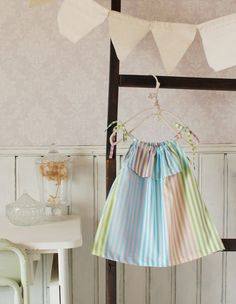 Girl's dress free pattern : Kokka