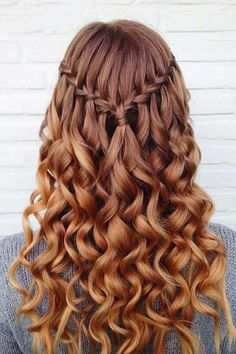 This is one of the cutest half up half down hairstyles for long hair! Face Shape Hairstyles, Black Women Hairstyles, Hairstyles With Bangs, Braided Hairstyles, Medium Hair Styles, Short Hair Styles, Waterfall Hairstyle, New Hairstyle 2017, Braids For Long Hair