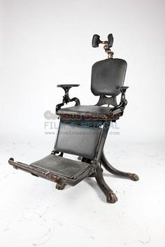 Period dental chair