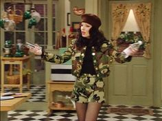 If you don't love Fran Drescher's character (Fran Fine) on The Nanny, you probably don't like good TV or killer outfits. The nostalgic series ran new episodes from 1993 to and featured daring trends, from copious cheetah print to skin-tight skirts, . Fran Drescher, Fashion Tv, Fashion Looks, Fashion Outfits, Fashion Black, Couture Fashion, Runway Fashion, Fashion Ideas, Fashion Trends