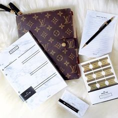 """I was so honored to see the daily inserts part of V's @gritandglamour LV planner setup! She has a full walk through of her 2016 LV GM Agenda up now. Wanna peek? Search for """"Grit & Glamour"""" on YouTube. She's also been sharing recently how she's using her planner pages for her #whole30 journey on IG & Snapchat. #prettyandpractical Original photo by/found at @gritandglamour #LV #louisvuitton #lvagenda #planner #plannerlove #plannergirl #plannernerd #planneraddict #plannercommunity #marble #g..."""
