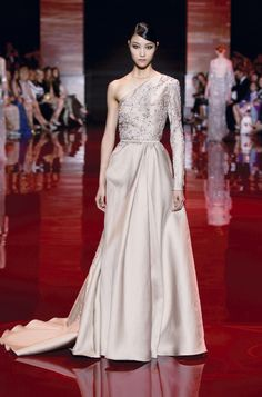 ELIE SAAB Haute Couture Autumn-Winter 2013-14 how can someone find words to describe such masterpieces