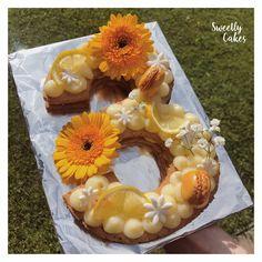 Des jolis Number Cake avec des biscuits croquants et des ganaches au citron, chocolat et vanille !