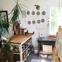Home Art Studios, Art Studio At Home, Garage Art Studio, Basement Studio, Workspace Inspiration, Room Inspiration, Art Studio Design, Art Studio Decor, Interior Design Studio