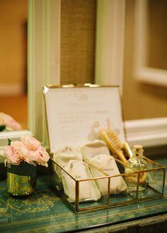 Kit de primeros auxilios para el baño. Boda organizada por Detallerie. Emergency kit. Wedding by Detallerie.