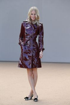 Poppy Delevingne in einem Trench Coat