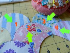 Molly Flanders Makerie: {Clam}Shell Game. EPP, machine piecing and appliqué methods for clam shells.