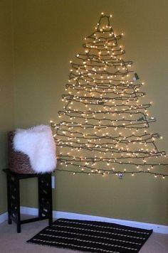 Un arbre en lumière pour Noel! 20 idées... Laissez-vous inspirer! Un arbre en lumière pour Noel.Très sympa ces lumières en forme de sapin de Noel non? Nous avons sélectionné pour vous aujourd'hui 20 idées créatives pour réaliser un arbre de...