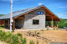 Вот такой дом в стиле альпийского шале строит наша клиентка около Москвы. Детально тут: http://skb21.ru/objects/dom-iz-keramzitoblokov-v-stile-shale/