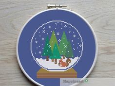 cross stitch pattern squirrel, snow globe, woodland, modern cross stitch,  PDF ** instant download** by Happinesst on Etsy https://www.etsy.com/listing/210864487/cross-stitch-pattern-squirrel-snow-globe