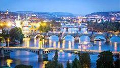 PRAGA Jej zabytkowe centrum wpisane jest na Listę światowego dziedzictwa kulturowego i przyrodniczego UNESCO