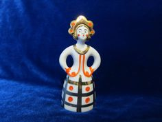 https://www.etsy.com/listing/237729070/vintage-porcelain-figurine-soviet-dulevo…