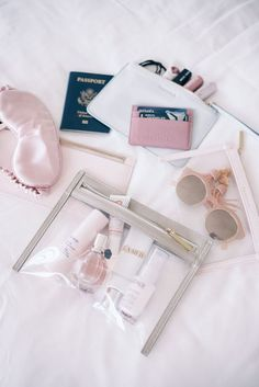 Gal Meets Glam Truffle Clutch - Truffle bags in a variety of sizes aesthetic flatlay TRUFFLE Clutch - Gal Meets Glam Beauty Essentials, Travel Essentials, Carry On Bag Essentials, Beauty Tips, Beauty Products, Bali Tour, Inside My Bag, Travel Must Haves, What In My Bag