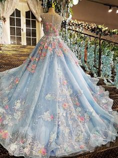 Wedding Dress Ball Gown - It is made to order real photo Accept return if the dress you receive is not the same as photo We only sell high quality dress Tailoring Prom Dresses 2018, Ball Gowns Prom, Blue Wedding Dresses, Wedding Dress Trends, Wedding Dresses For Sale, Ball Dresses, Debut Dresses, Dress Wedding, Light Blue Quinceanera Dresses
