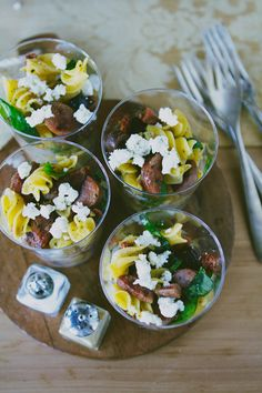 Gluten-free Pasta Salad with Spinach, Kalamata Olives, Sun-dried tomatoes, Sausage & Feta. It's easy! #recipe