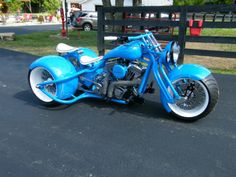 A trike id actually ride Vw Trike, Trike Chopper, 3 Wheel Motorcycle, Harley Davidson Trike, Custom Trikes, Cool Motorcycles, Hot Bikes, Bike Art, Bike Design