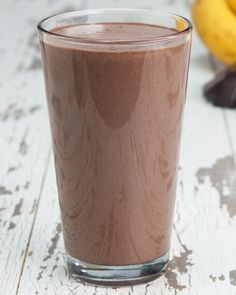 Servings: 2INGREDIENTS1½ cups milk of choice, water, or yogurt¼ cup peanut butter1 scoop chocolate protein powder1 tablespoon dark cocoa powder2 bananas, frozenPREPARATION1.Put all ingredients into a blender and mix until smooth.2.Serve and enjoy!