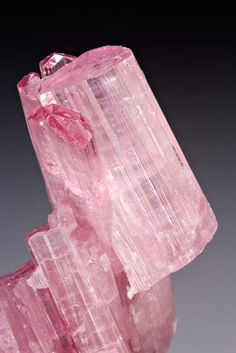 Elbaite; Mawi pegmatite, Laghman Province, Afghanistan / Mineral Friends <3
