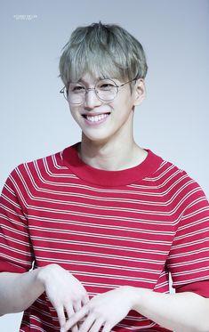 gukheon Boy Meets, Rapper, Teen, Kpop, Boys, Mens Tops, Fashion, Baby Boys, Moda