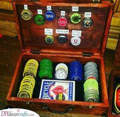 Diy Bottle Cap Crafts 836121487053988757 - Source by moadanie Diy Bottle Cap Crafts, Beer Cap Crafts, Bottle Cap Projects, Beer Cap Table, Bottle Cap Table, Bottle Cap Art, Diy Presents, Diy Gifts, Poker Chips