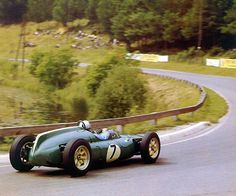 1961 Solitude, Stuttgart, Germany. Bruce McLaren, was placed fourth in the Cooper-Climax T53 in the non-championship F1 race. Sports Car Racing, F1 Racing, Drag Racing, Aston Martin, Grand Prix, Le Mans, Gp F1, Automobile, Bruce Mclaren