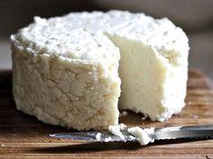 My Favorite Healthy Vegan Cheese Brands Veggie Potstickers, Flu Food, Vegetarian Day, Cheese Powder, Bread Alternatives, Jewish Recipes, Sugar Free Desserts, Fermented Foods, Sauces