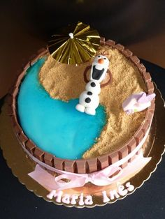 Yin-yang sand and beach cake with Frozen Olaf - 2014 Halloween cake ideas
